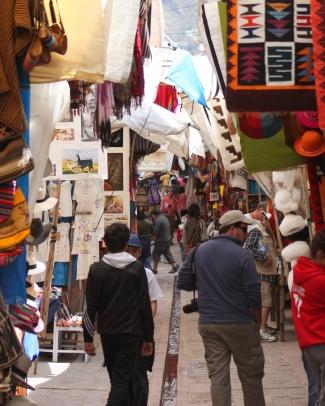 Artisans' market lane, Pisac, Peru