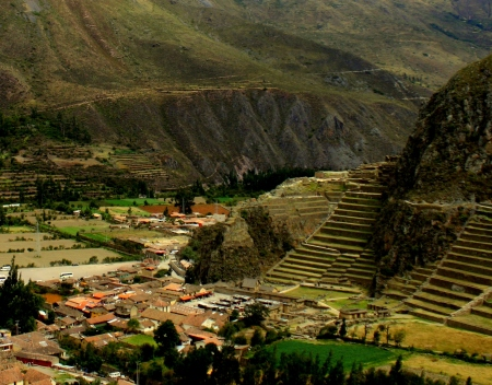 Town, terraces, and ruins of Ollentaytambo