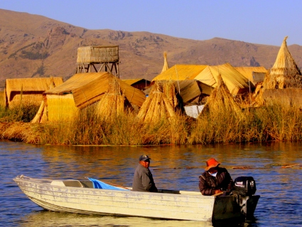 Uro men head out for day of fishing on Lake Titicaca