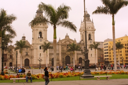 Basilica Cathedral of Lima, Plaza Mayor