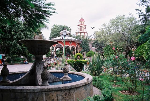 El Jardin Hidalgo plaza, Tlaquepaque
