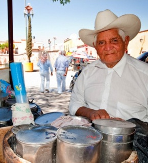 Ice cream vendor, Zócalo, Dolores Hidalgo