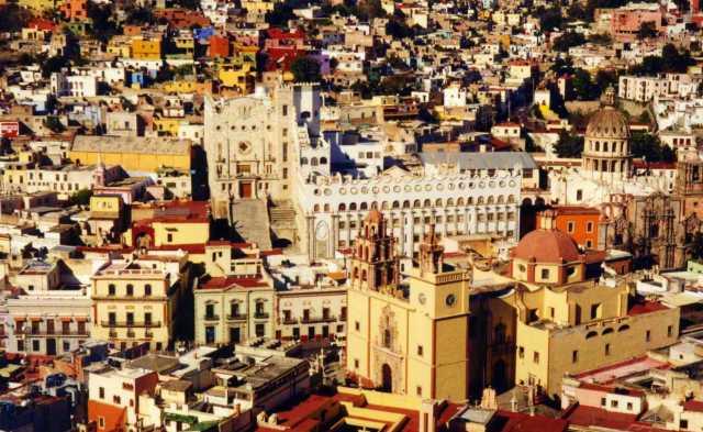 Alhondigas de Granaditas (center) and Basílica de Nuestra Señora de Guanajuato (lower right), Guanajuato, Mexico