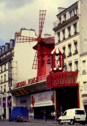 Montmartre musings 009 Moulin Rouge