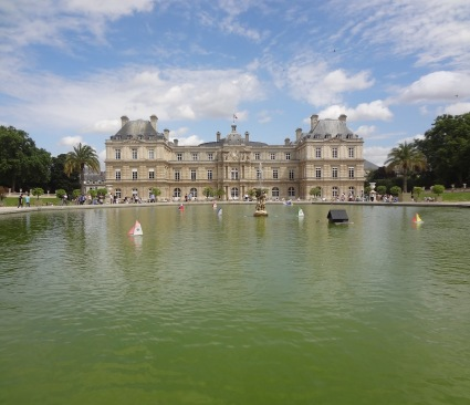 Luxembourg Palace and garden pool