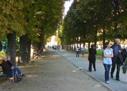 Promenade, Luxembourg Garden, Paris