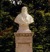 Leonardo bust at Château du Clos Lucé
