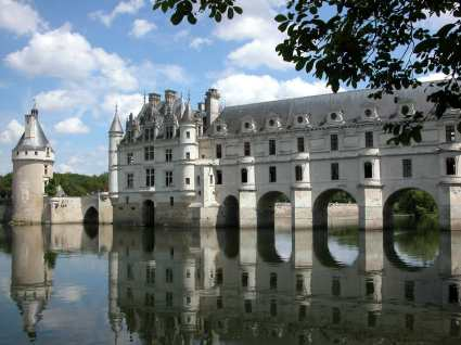 Gallery bridge at Château Chenonceau.