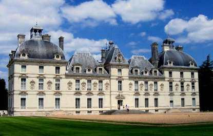 Château de Cheverny front facade