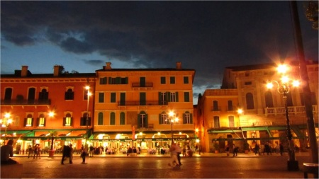 Night life on the streets of Verona, Italy