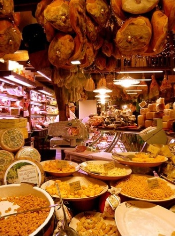 Inside a neighborhood grocery, Cologna, Italy.