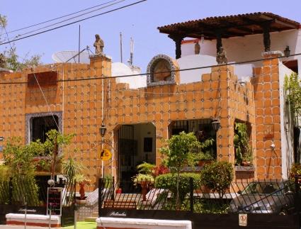 Café Gato Negro (Pedro Moreno @ Robles Gil).