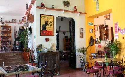 Interior, Café Gato Negro.